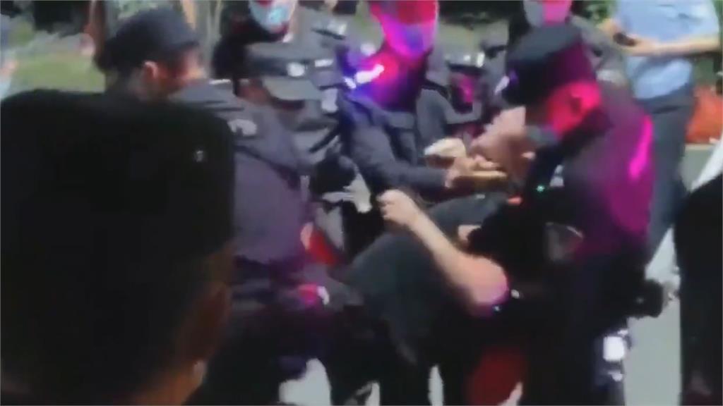 「中共百年來臨」爆發江浙學潮 鎮暴警10打1圍毆畫面曝光