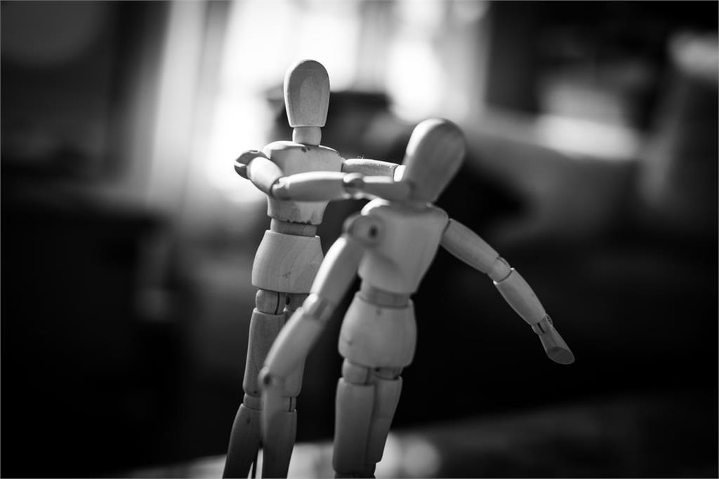 法律/丈夫吃軟飯又家暴,這些問題可以當成離婚理由嗎?