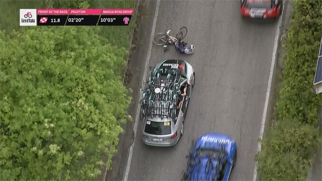 補給車追撞自行車!環義賽第六站出事故 大雨.側風成考驗