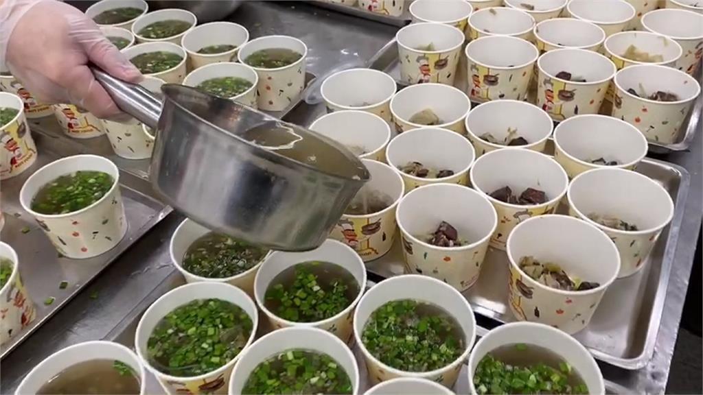 觀光培訓課程午餐吃「結塊米粉」 學員質疑:政府補助的80元餐費呢?