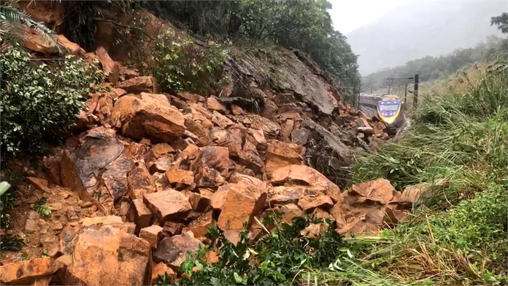 「噴漿處有龜裂泥水滲出」!猴硐坍塌前司機員機警通報 未釀更嚴重事故