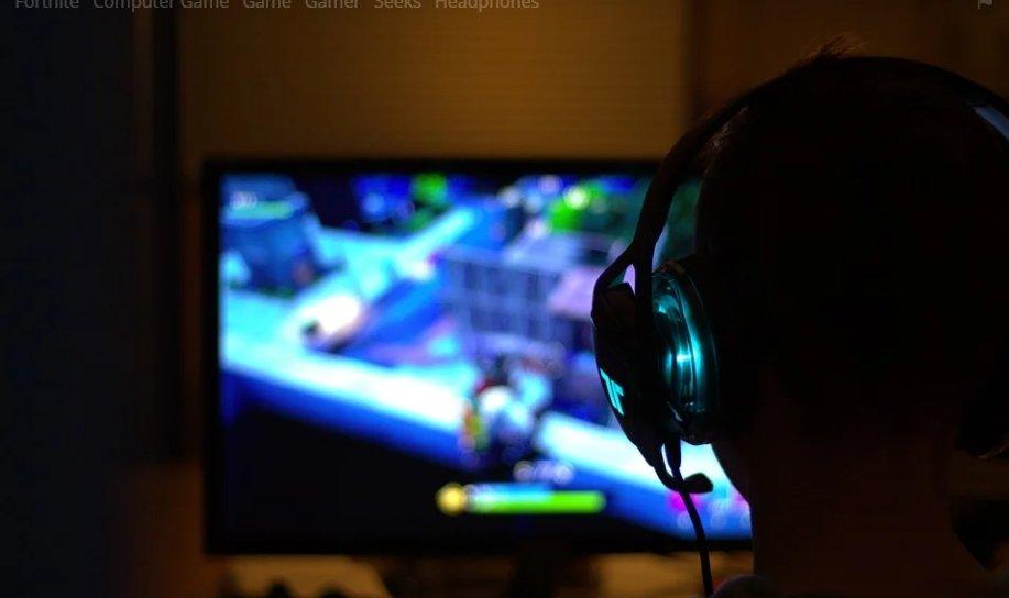 傳中國「學校禁裝500MB遊戲」!騰訊和網易市值蒸發逾600億美元