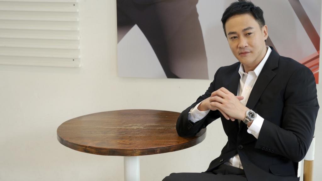 何潤東斜槓導演兼演戲 宣佈未來將「封肌」!十年無半子嘆「沒藉口了」
