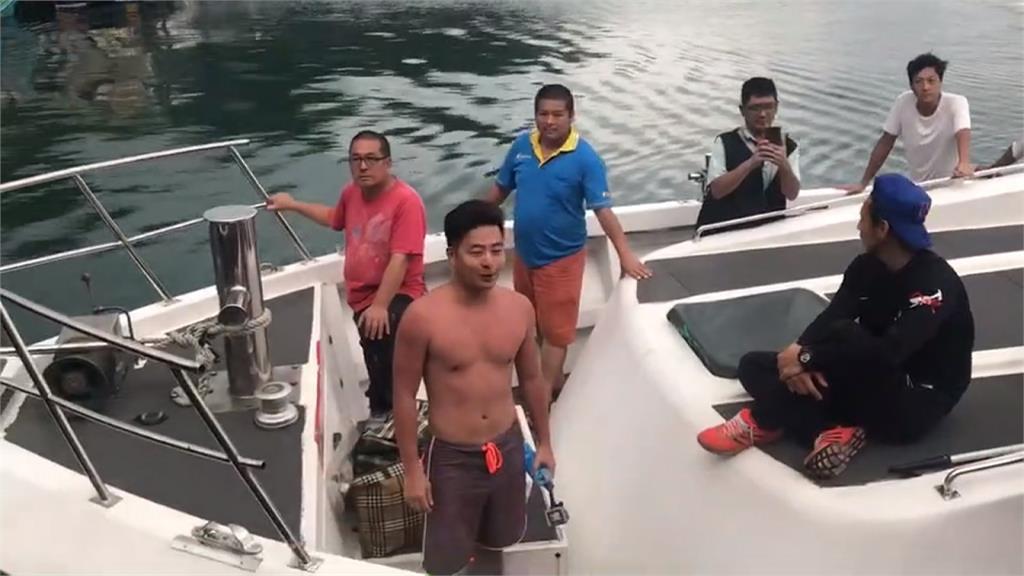 以為基隆嶼臨近和平島 僅穿海灘褲30歲男游到體力透支