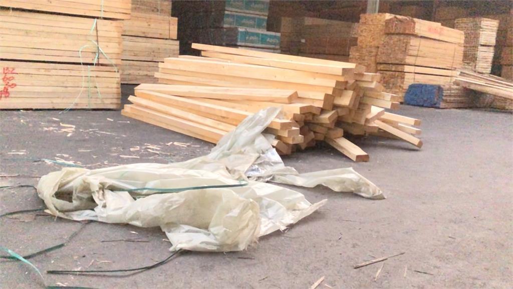 高雄工安意外!女員工遭1500公斤木材重壓 臟器外露不治