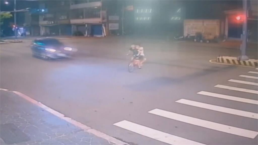 蘆竹移工腳踏車雙載撞飛雙亡 喪命移工竟涉酒後騎車、違規左轉