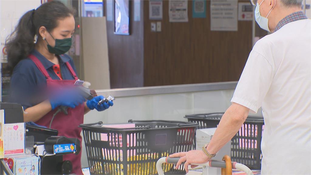 「烟花」來襲先囤貨! 超市拉高備貨應戰防颱