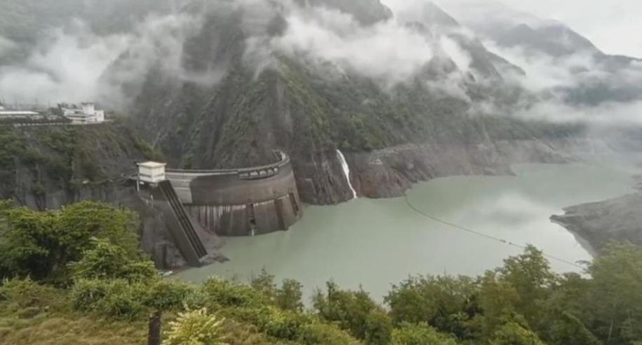 「璨樹」颱風襲台!德基水庫逼近「滿庫」預降水位備戰防豪大雨