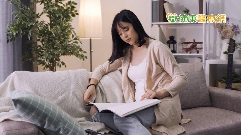 防疫宅在家久坐小心憂鬱! 這些改變你也有嗎?