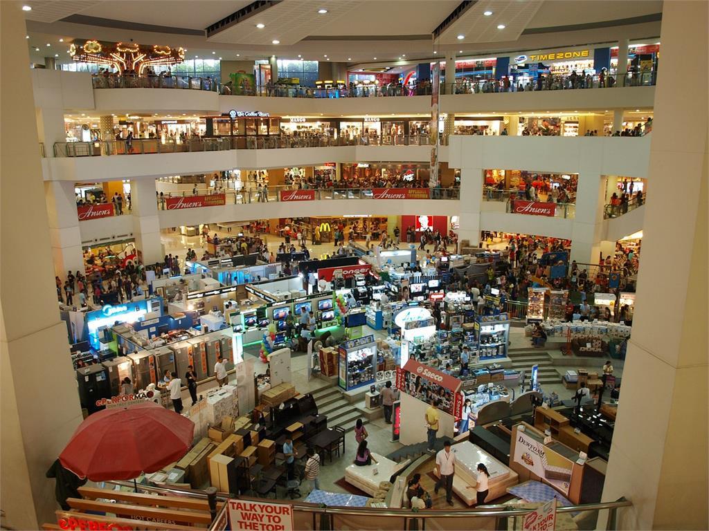 週年慶人潮擠爆!調查:7成2店家怕「新感染潮」