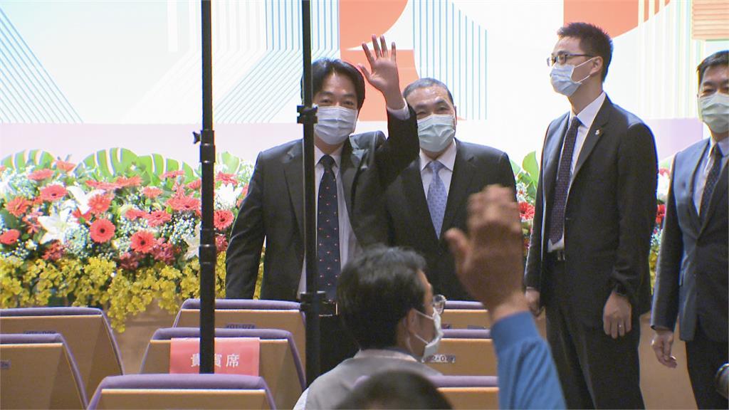 賴侯同台出席資深村里長表揚 同聲表示當父母官為國家打拚