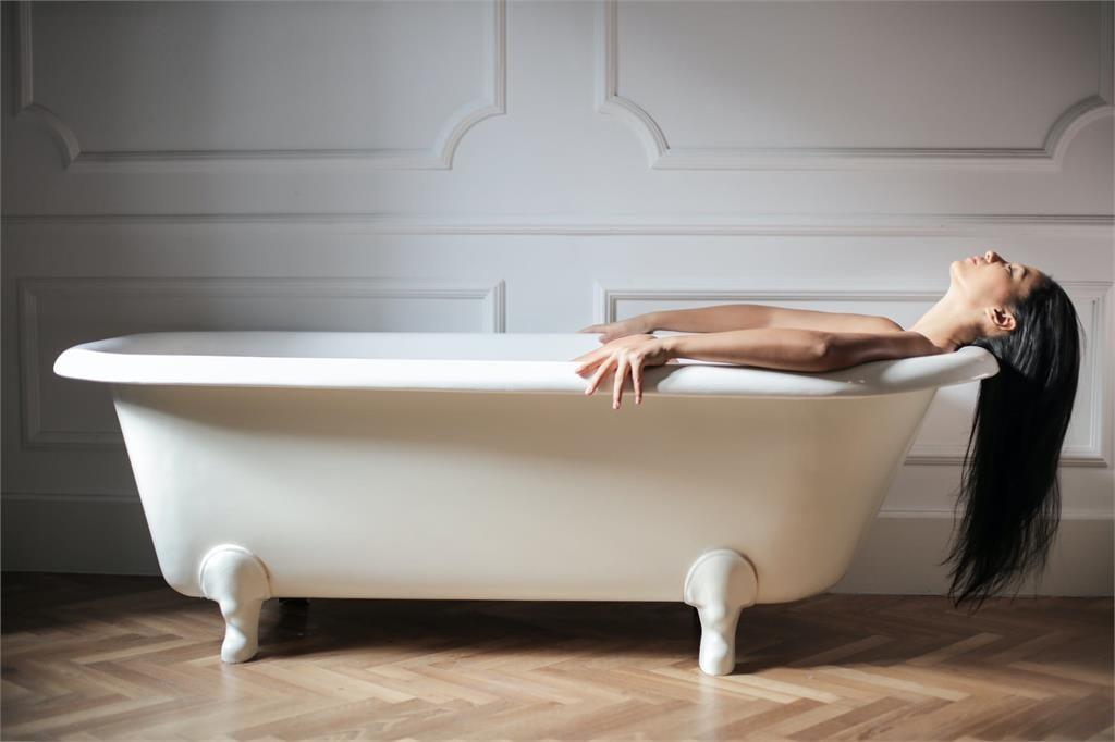 「浴廁無窗」恐導致床事失和!命理師曝挽救2招