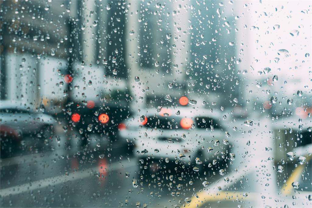6縣市高溫「飆36度」!週末「豪雨來襲」林嘉愷:南部低窪區恐淹水