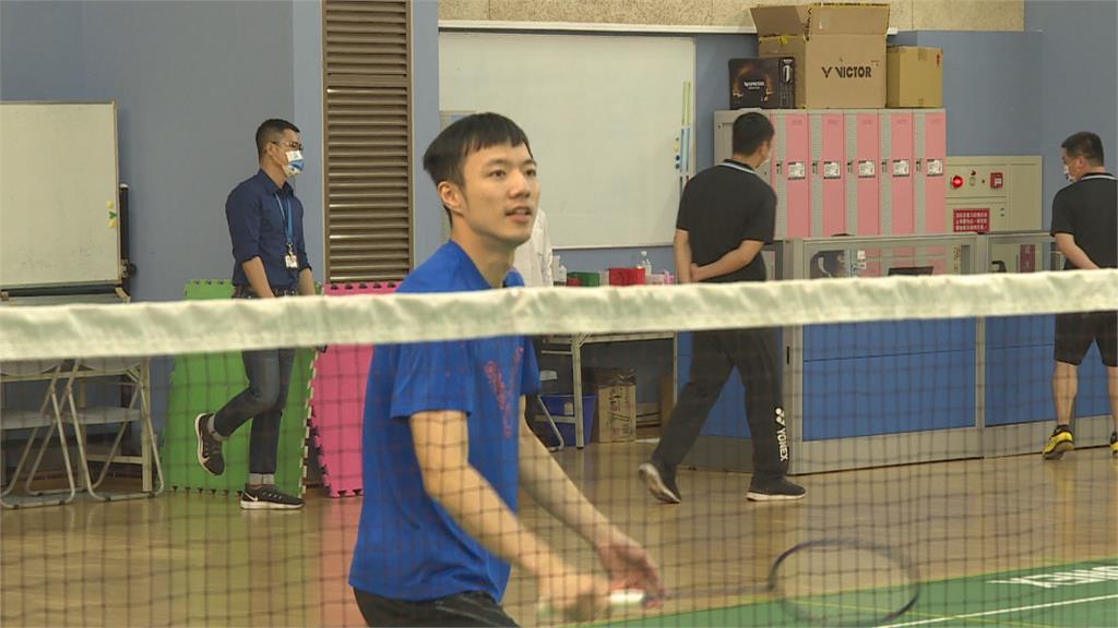 王子維小組賽兩戰全勝 晉東奧羽球男單16強