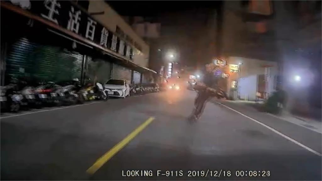 騎電動滑板車酒駕 騎士昏迷指數3命危