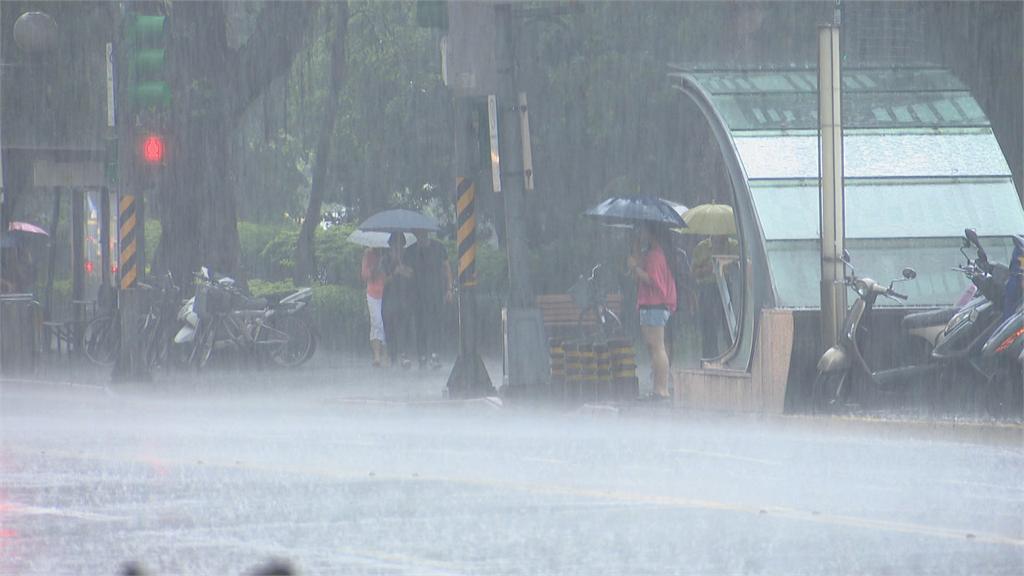 快新聞/3縣市大雨特報 桃園市、新竹縣市嚴防瞬間大雨