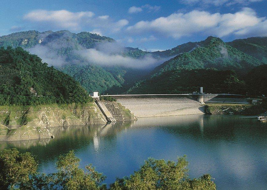 快新聞/終於不再「為水所困」 烟花颱風為全台水庫進帳3.3億噸水量