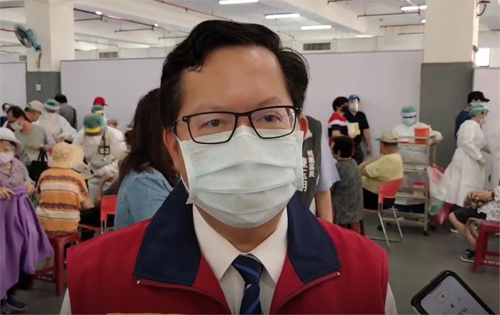 快新聞/政府不是防疫獨裁!台大醫師揭邊境危機 秒收鄭文燦簡訊