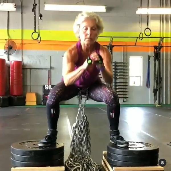 真的是老當益「壯」!71歲筋肉人阿嬤 打破30多項舉重紀錄
