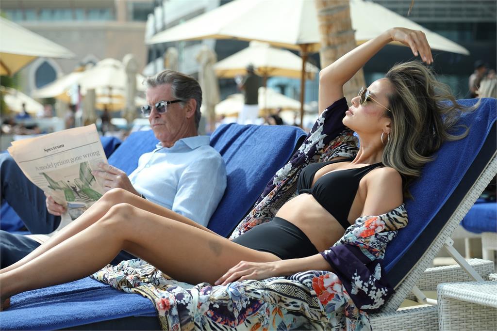 鮮肉泰星被「007第五代龐德」圈粉 皮爾斯布洛斯南狂撩「嫩妹」?!
