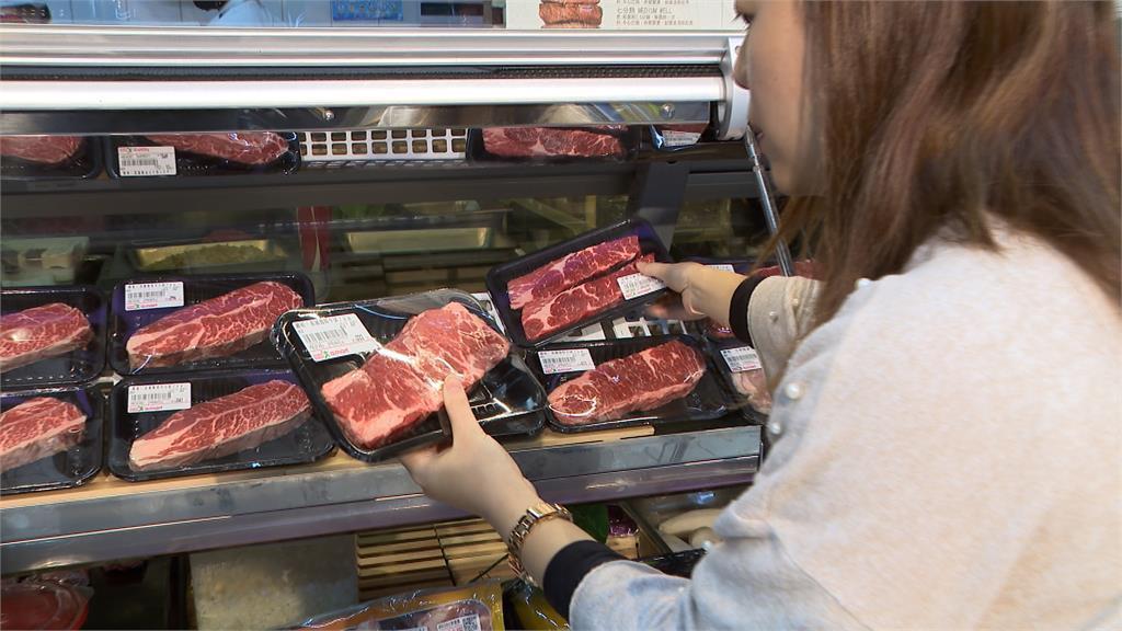 賣場服務再進化!鐵板燒師傅進駐幫你煎牛排