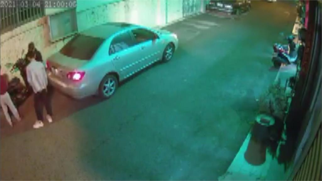 打錯檔撞後車答應賠償 肇事駕駛留電話卻失聯 受害車主氣炸