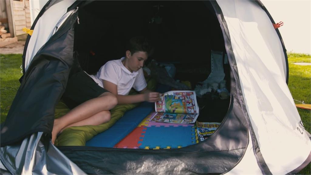 露營200天為醫院募款10歲男童紀念鄰居亡友
