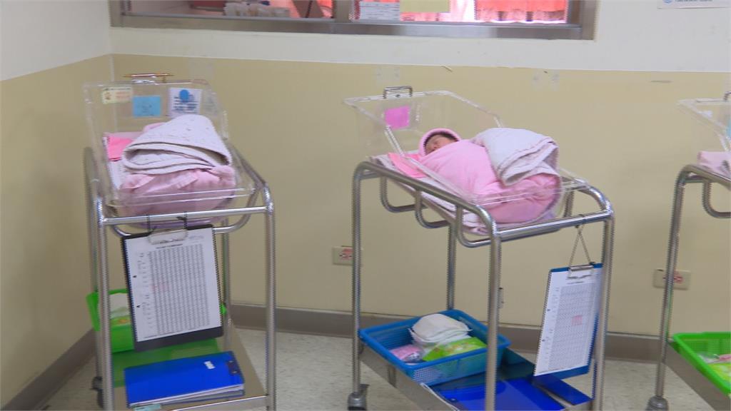 疫情宅在家拚生產 醫師預估年底增加萬名防疫新生兒