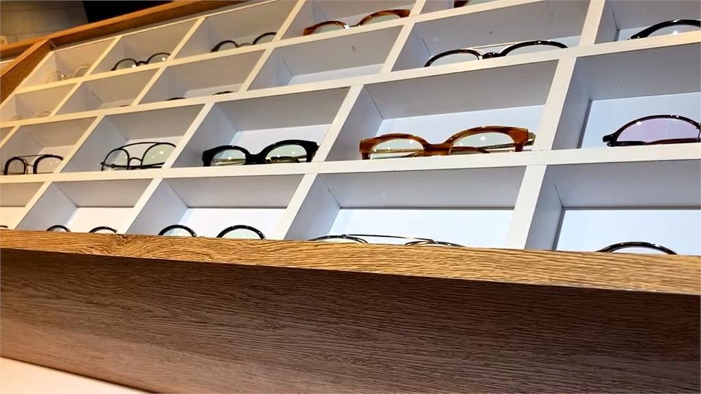 連鎖眼鏡店被檢舉未設「驗光所」違法  僅一合法驗光師