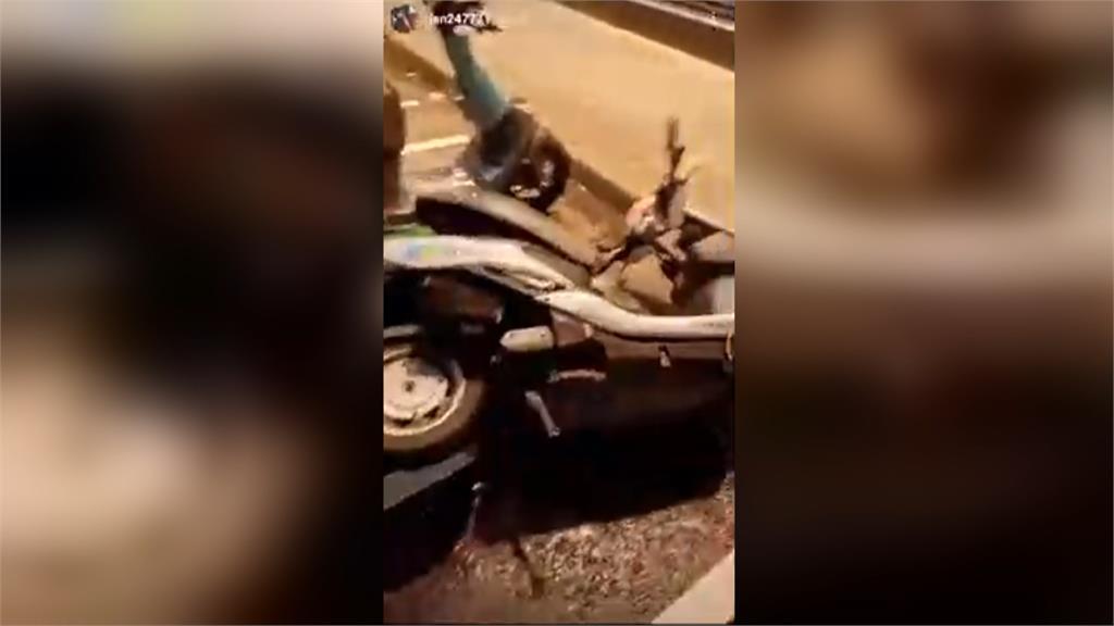 歌手陳彥允亂踹共享機車 自拍影片PO網被罵翻