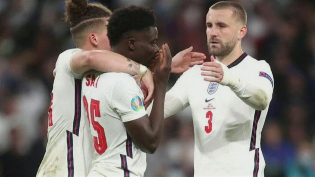 歐國盃兩樣情!義大利球員凱旋歸國 英格蘭球員慘遭辱罵