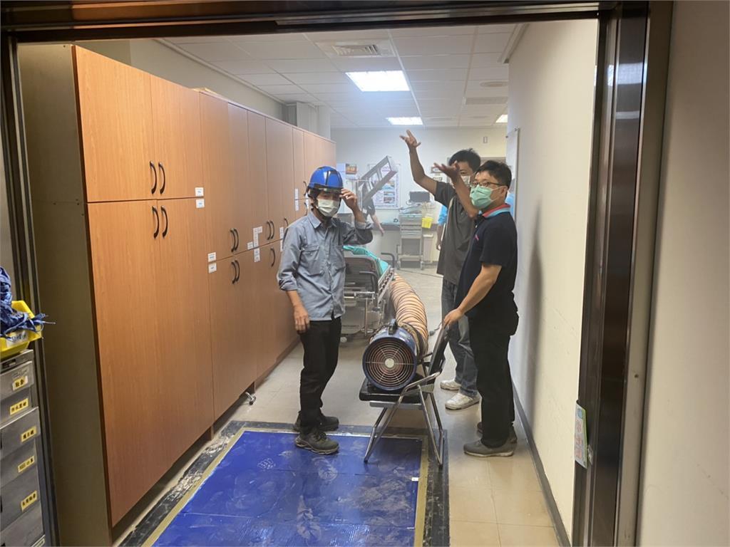 快新聞/成大醫院產房天花板突冒煙 緊急疏散31人