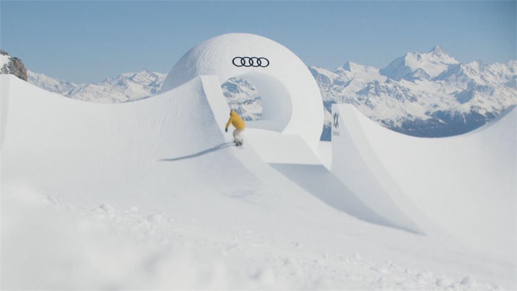 瑞士滑雪勝地高手齊聚 大秀滑雪空翻特技