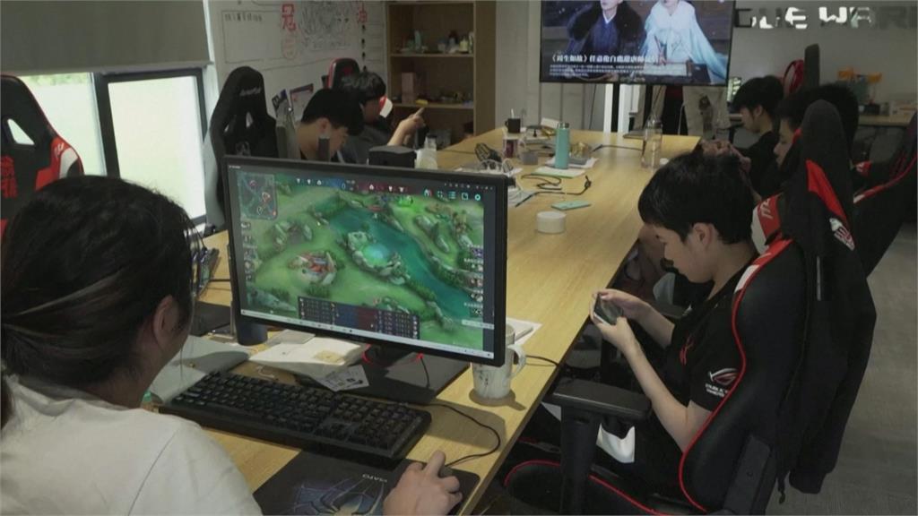 中國電玩禁令難擋 「租帳號玩網遊」遊走灰色地帶