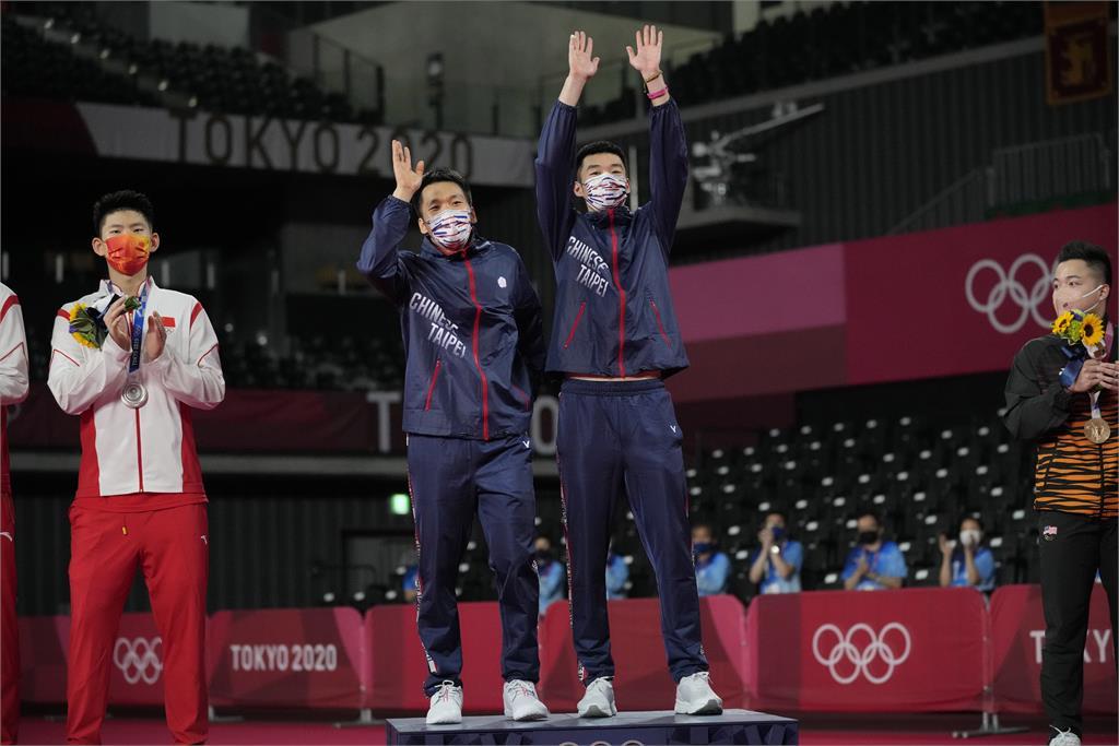 東奧/「麟洋配」力奪台灣首面羽球金牌 李洋贊助案明年起提高至200萬元