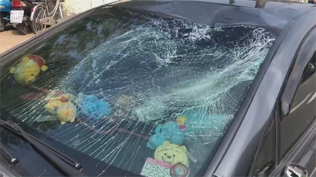 趕上班!高雄楠梓轎車闖紅燈年輕夫妻雙載遭撞飛1死1傷