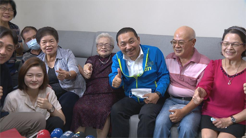 百歲人瑞嬤子孫滿堂 侯友宜親自探訪
