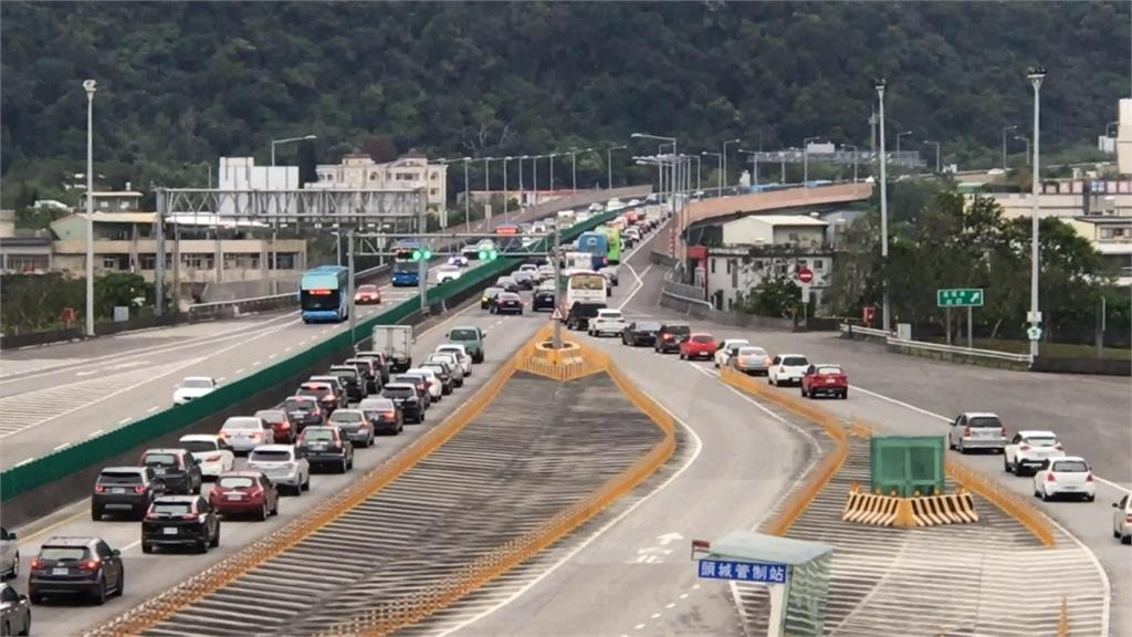快新聞/228連假易塞路段及時段出爐! 搭90條國道客運享優惠