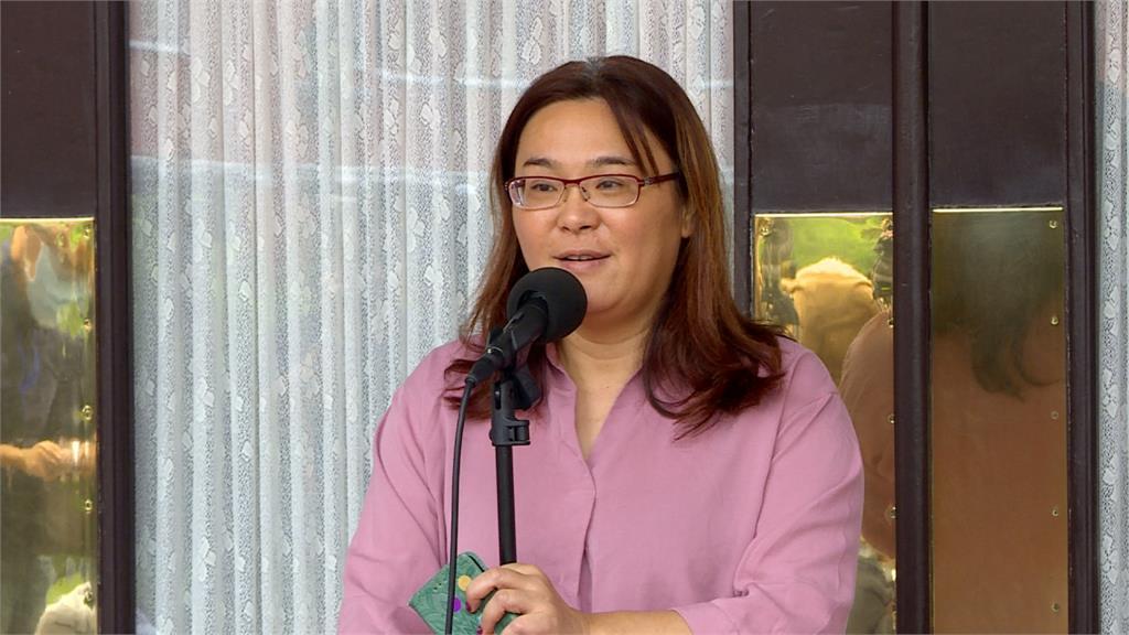 為歐陽娜娜抱不平!陳玉珍嗆 「總統唱國歌是國民黨員?」