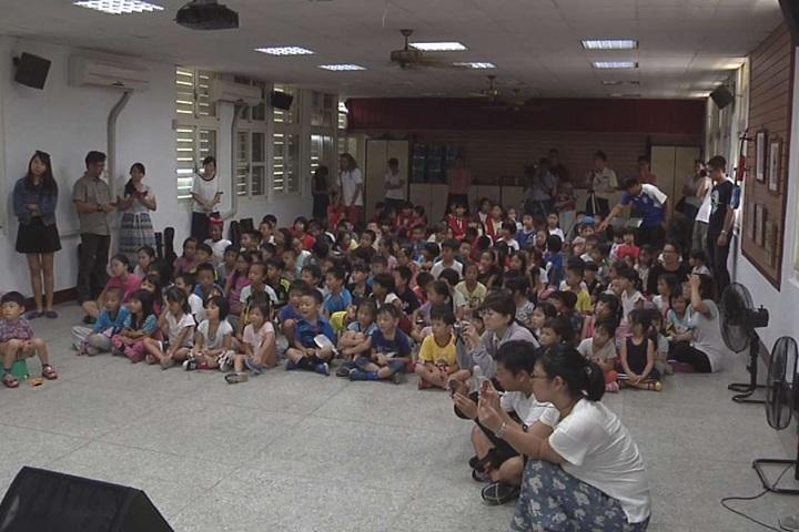 「待用課程」到花蓮 非洲音樂家來教偏鄉孩童