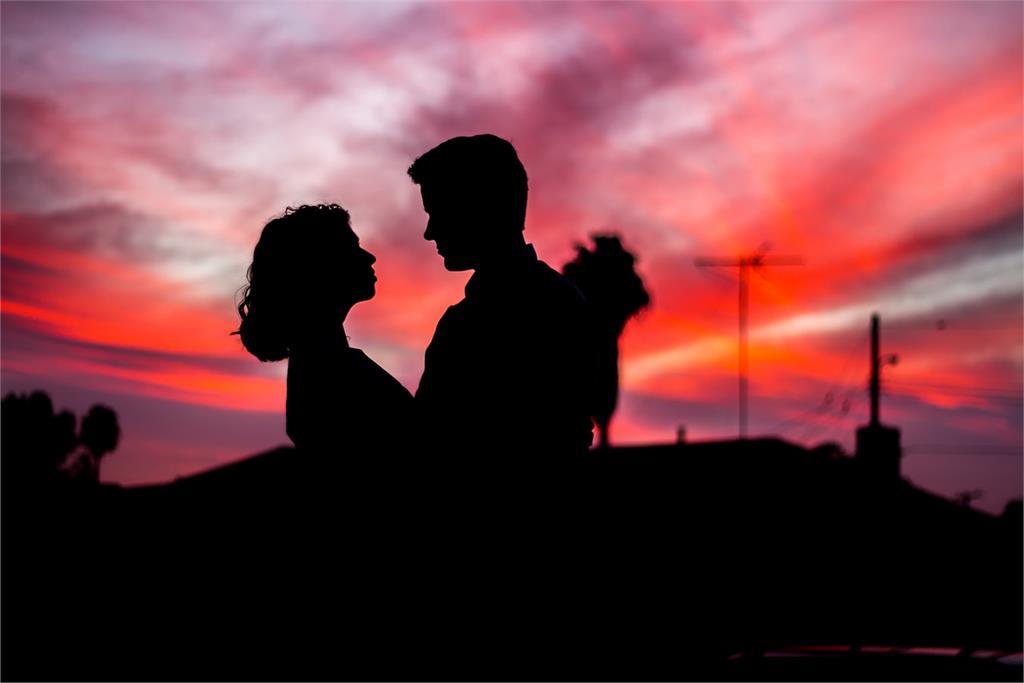 「侵害配偶權」不以性交為限 通姦除罪後正宮如何求償?