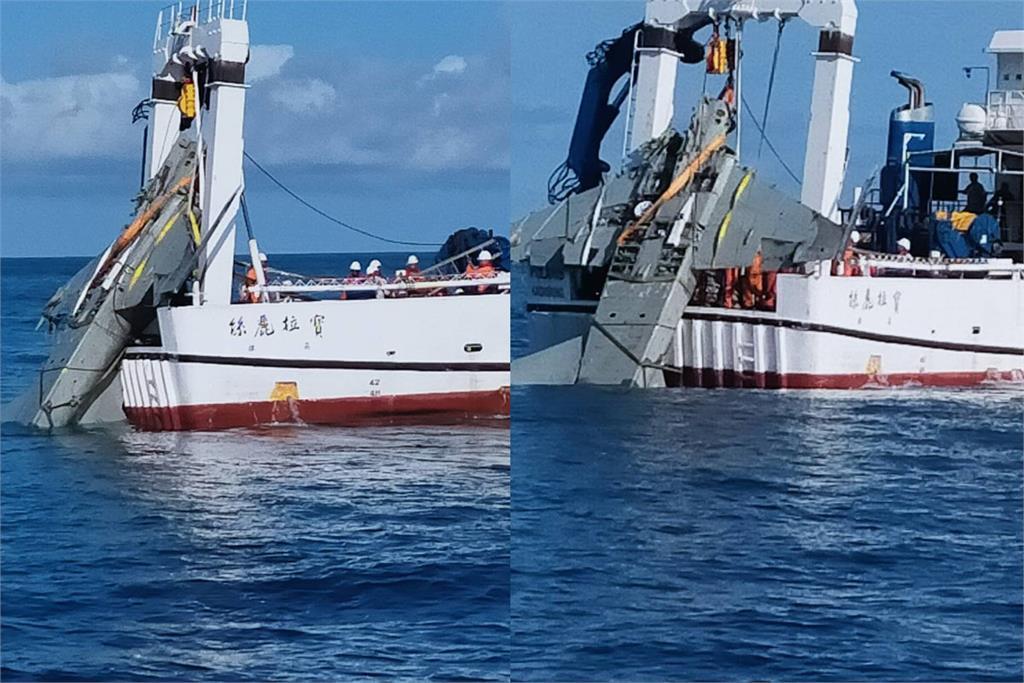 快新聞/飛官朱冠甍殉職 F-5E失事戰機「卡海底半年」下午打撈上岸