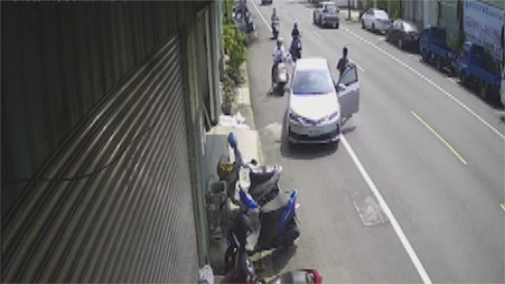 囂張!台南駕駛惡意逼車、攔車  沒戴口罩狂嗆嚇哭女子