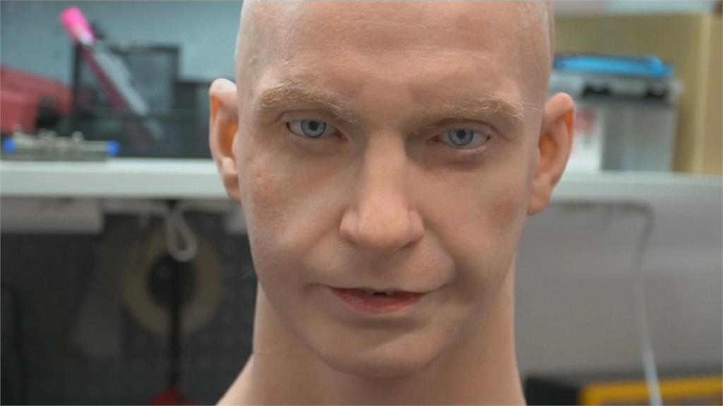 矽膠皮膚琢磨表情 俄國類人型機器人超逼真