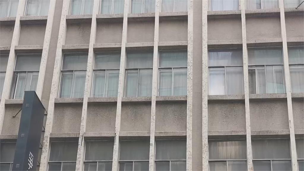 霉味很重、沒窗戶還有蟑螂...網狂轟桃園某防疫旅館:丟國家的臉!