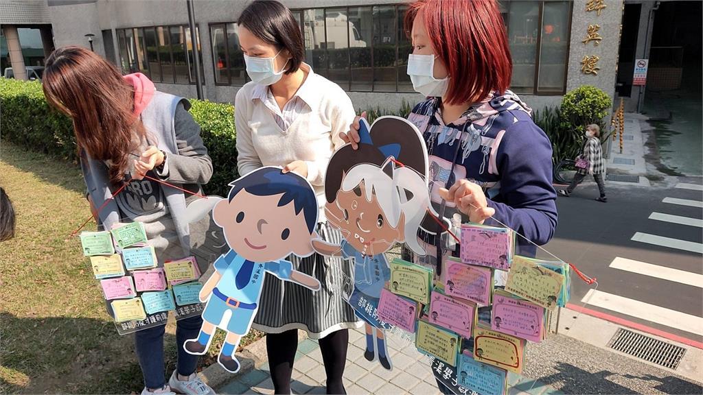 快新聞/愛心不斷湧入部桃 青溪國中送手寫小卡、善心人士送日本蘋果幫醫護打氣