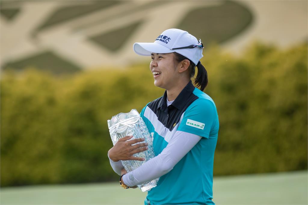 高球/徐薇淩精彩逆轉 奪LPGA生涯首冠