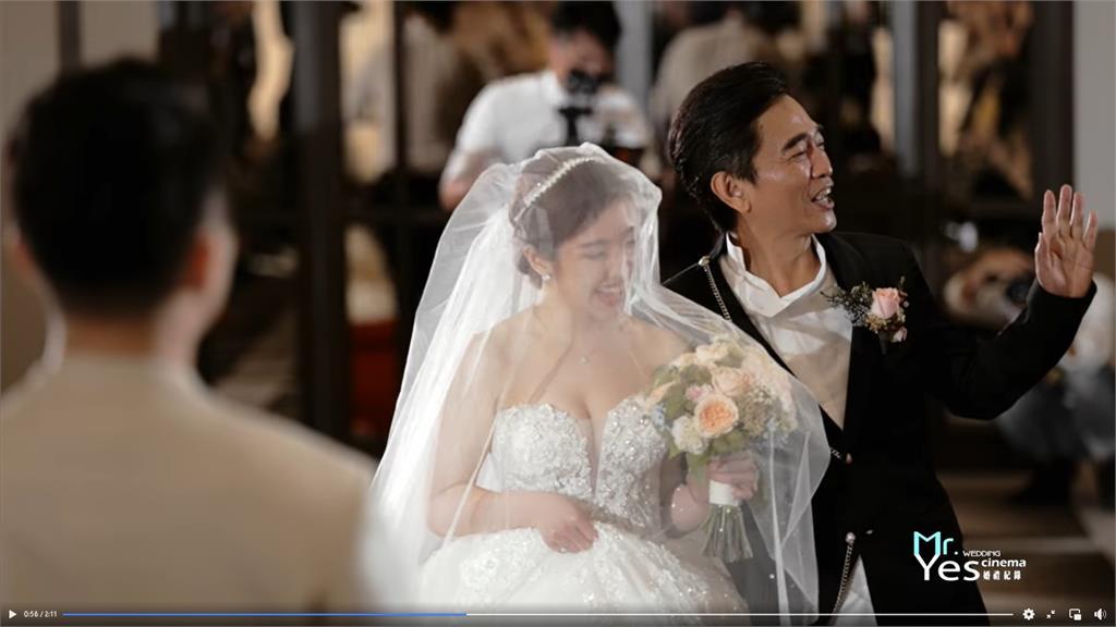 吳宗憲二女兒浪漫婚禮畫面曝光!含淚告白:你永遠是我的Super Dad