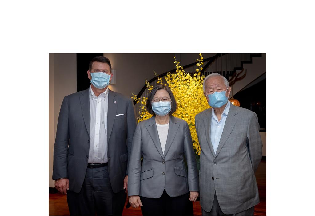 快新聞/蔡英文宴請柯拉克訪問團 張忠謀成唯一民間企業