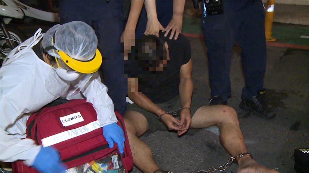 口罩藏毒騎車遇警攔檢 男子裝病被識破